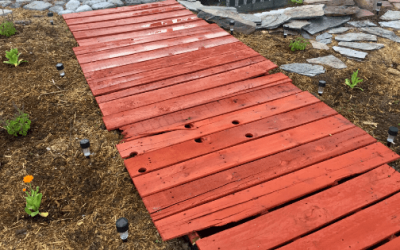 How to Make a DIY Pallet Path